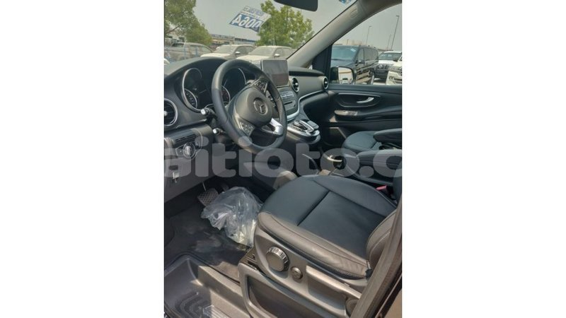 Big with watermark mercedes benz 250 artibonite import dubai 1171