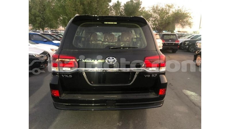 Big with watermark toyota land cruiser artibonite import dubai 1183