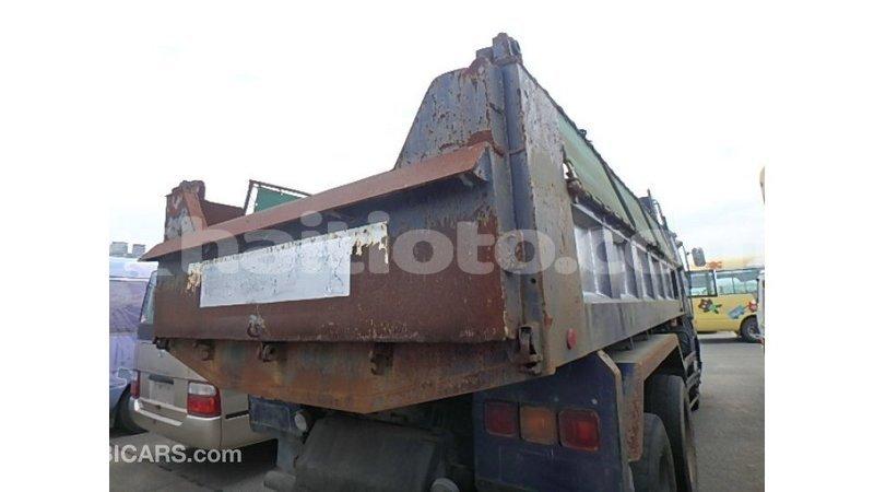 Big with watermark nissan evalia artibonite import dubai 3704