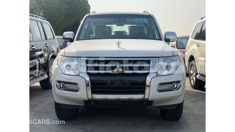 Big with watermark mitsubishi pajero artibonite import dubai 3752
