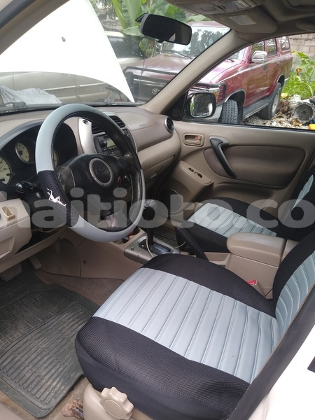 Big with watermark toyota rav4 sud les cayes 3797